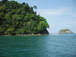 Scenic sea kayaking awaits around Manuel Antonio and beyond