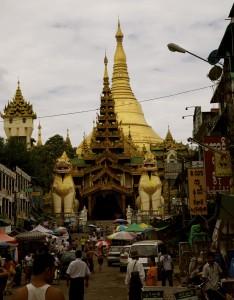 myanmar-yangon-shwedagon-pagoda-entrance
