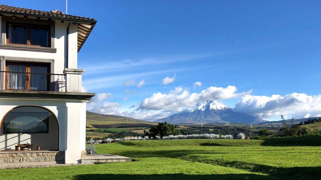 /wp-content/uploads/itineraries/Ecuador/cotopaxi-pungo-view-1.jpg