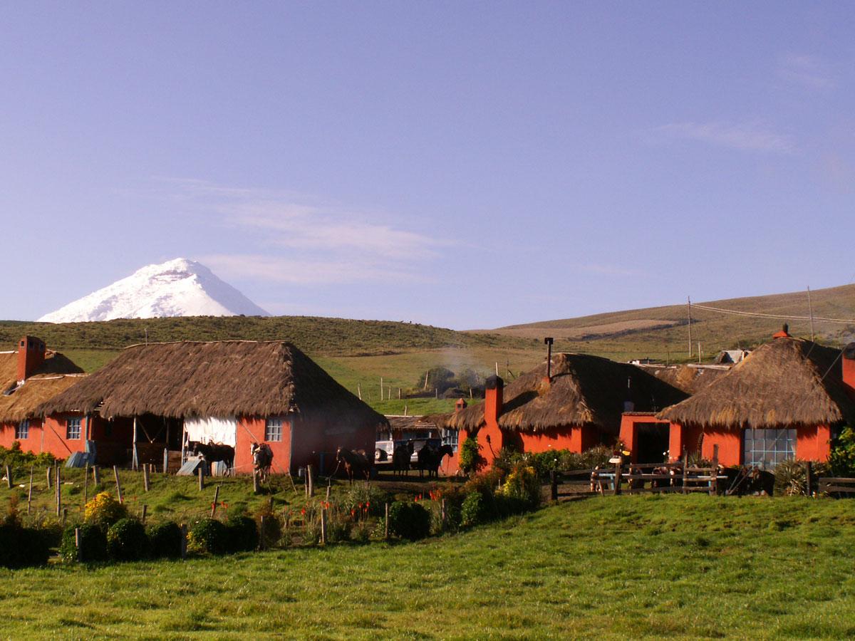 /wp-content/uploads/lodging/Ecuador/Cotopaxi/porvenir-outside-2.jpg