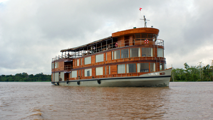 4-Day Delfin Amazon River Cruise
