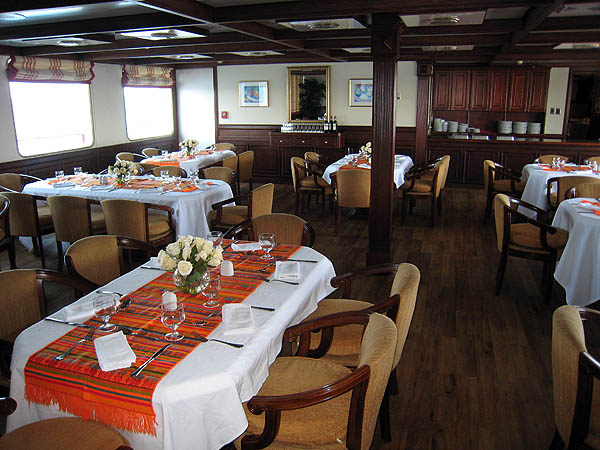 Galapagos Celebrity Xperience Dining