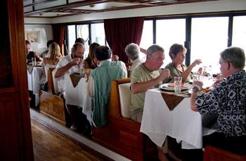 Galapagos Estrella de Mar I  & II Dining