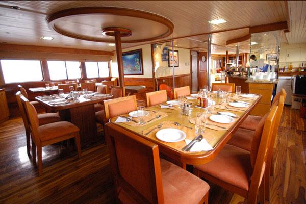 Galapagos Galaven Dining