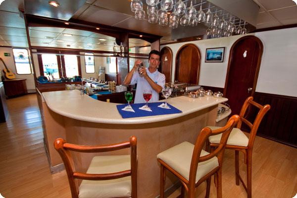 Galapagos Anahi Dining