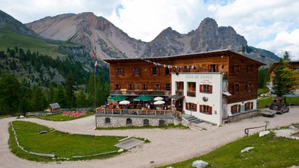 wp-content/uploads/itineraries/Dolomites/dolomites-rifugio-3.jpg