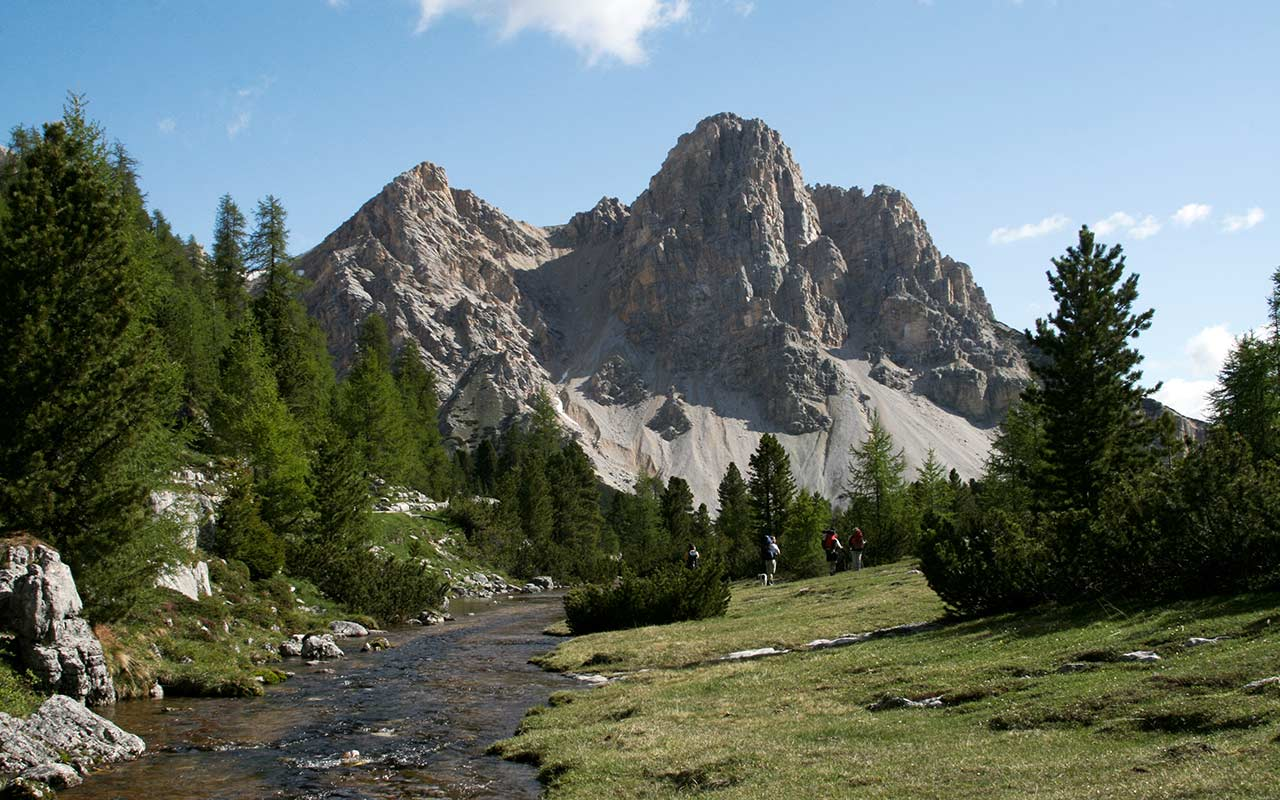 wp-content/uploads/itineraries/Dolomites/fanes-hiking-1.jpg