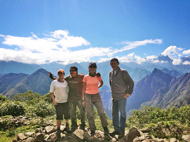 wp-content/uploads/itineraries/Inca Trail/llactapata-pass-guides-1.jpg