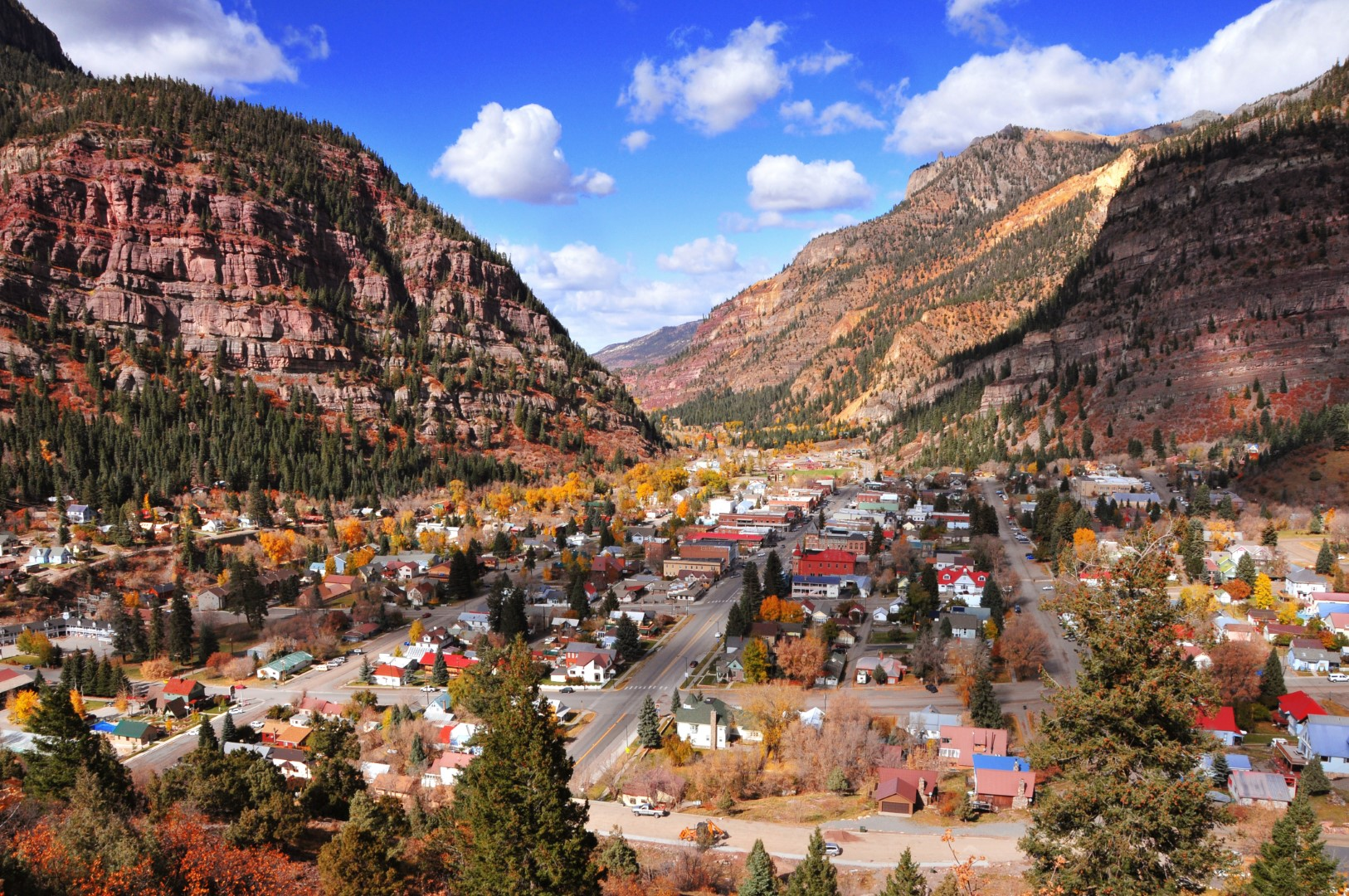 wp-content/uploads/itineraries/USA/CoMtn/ouray-town.jpg